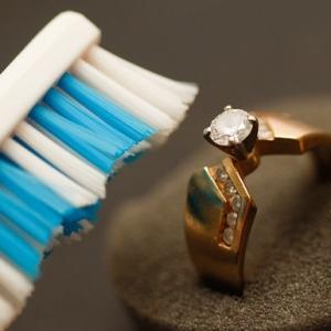 Зубной порошок для чистки золота