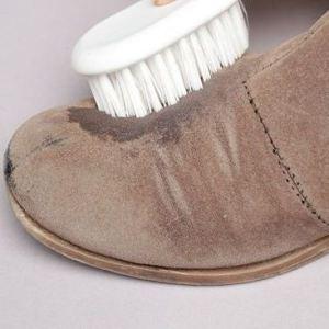 kak-chistit-zamshevuyu-obuv